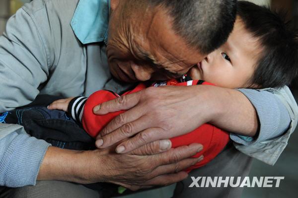 吴东俊 认亲 儿童福利院 10月 警方 公安机关 孩子 贵阳市公安局 拐卖儿童 2009年