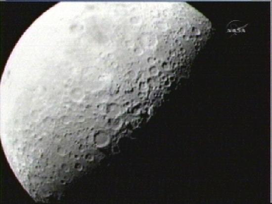 """美国航天局宣称发现月球发现的水""""相当多"""""""