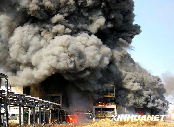 浙江绍兴 爆炸 消防人员 袍江 油车 恒业成 灭火 储罐 发生火灾 拍摄