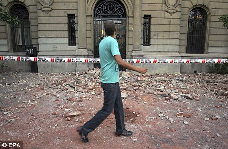 智利再次发生里氏6.1级余震(组图)