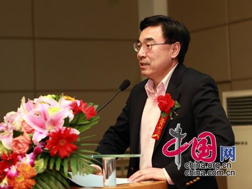 中国网总裁黄友义先生介绍中国网开展此项活动的对外宣传优势 中国网 胡迪