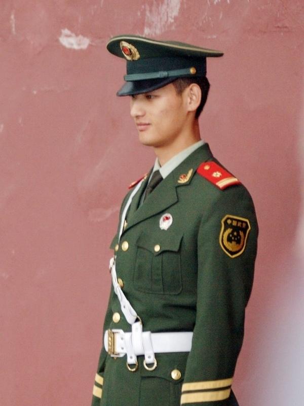 80后军人 中国80后女军人图片 插80后妹妹逼动态姿势图片