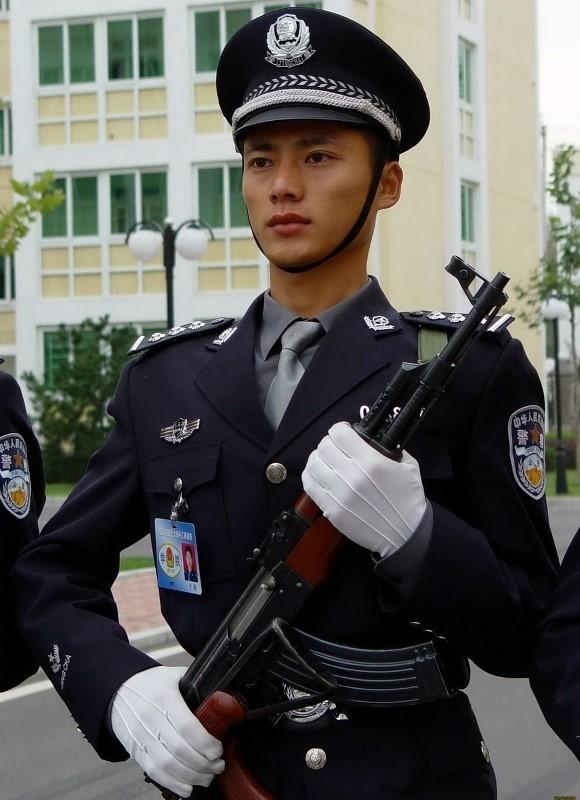 组图:中国最帅的80后军人 不用任何修饰的男人