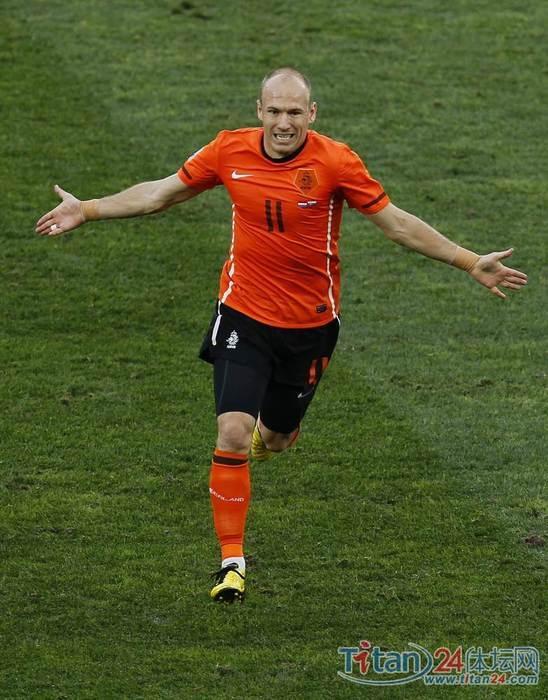 因斯盛赞罗本大场面出彩 奥科查祝荷兰队未来好运