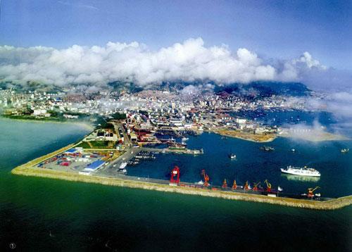 石岛湾核电站也是全球首座将第四代核电技术成功商业化的示范项目.