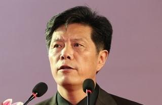"""""""中国策划(咨询)行业星级企业品牌评价暨第七届中国策划大会""""2014年8月28日在江西新余举行,活动由中国商业联合会、中国生产力学会共同主办,中国网、中国发展门户网现场直播。图为区域和企业战略策划专家徐殿龙。王东海摄"""