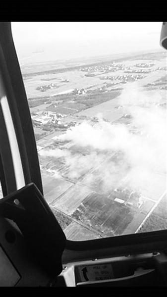 上海警用直升机监控秸秆焚烧