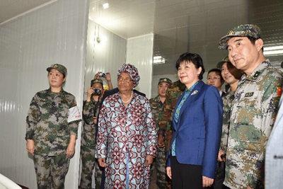 中国援建利比里亚埃博拉诊疗中心正式交付使用