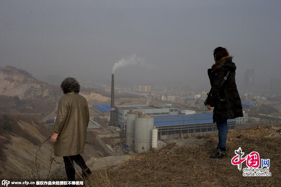 垃圾围城迫叫停焚烧厂重启 一半住户难忍臭味