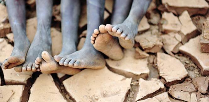 """联合国估计,到2030年全球40%的人口将面临供水""""赤字""""问题,近11亿人口没有足够的饮用水。"""