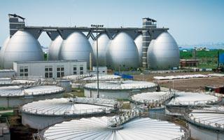 上海白龙港污水处理厂位于浦东新区合庆镇朝阳村,是上海市污水治理二期工程的一个重要组成部分。