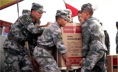 中国空军伊尔-76持续运送援尼救灾物资