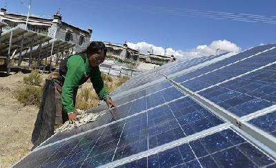 太阳能解决西藏60多万人口用电难题