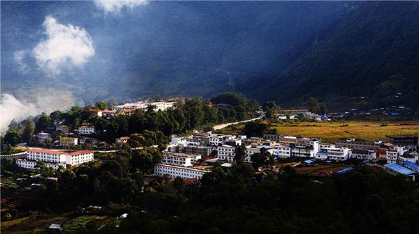 白玛曲珍:墨脱县46个行政村全部进行民房改造