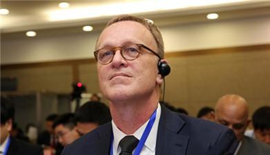 世行专家郝福满出席2016中国扶贫国际论坛