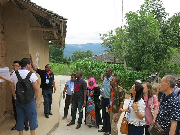 国际减贫在行动:携手发展中国家 交流经验 寻求
