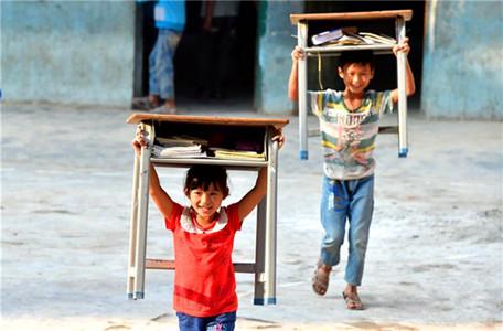 广西都安瑶族自治县隆福乡渔洞小学200多学生近日搬进新教室