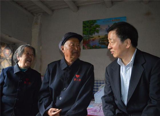 中国外文局局长周明伟赴左权县调研指导扶贫工作