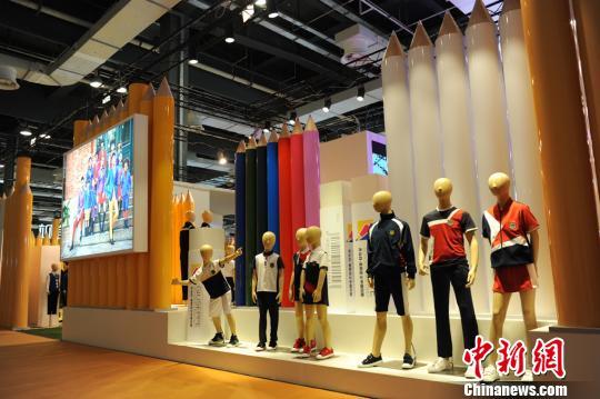 2018年校服流行趋势在沪发布 校服行业新标准有望成型