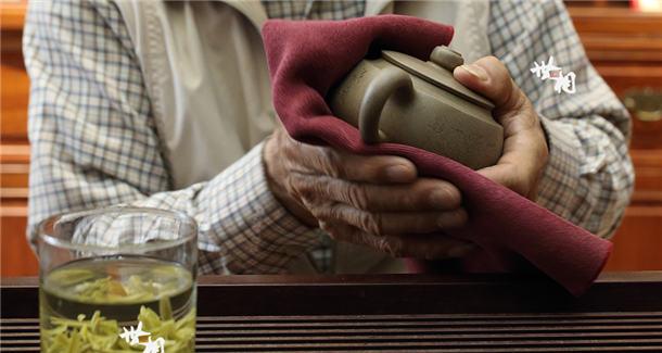 做壶先做人——古稀紫砂大师的匠心与持守