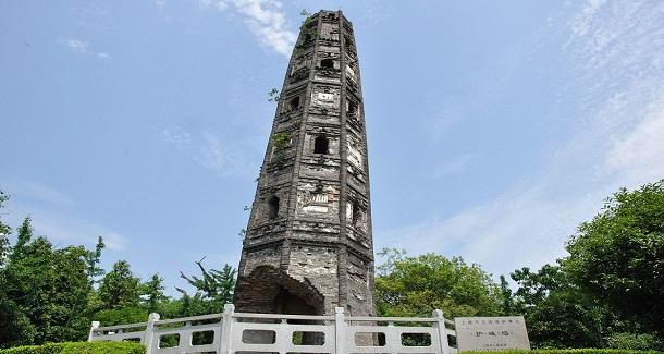 上海护珠塔倾斜度超过意大利比萨斜塔成一大奇观