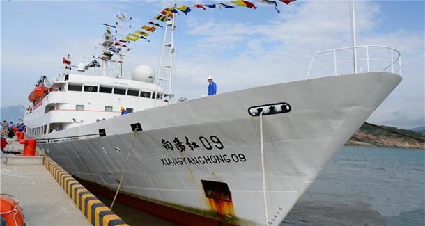 """""""蛟龙""""号完成中国大洋第38航次科考任务返回青岛"""