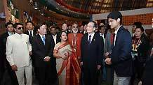 Chinese Premier Wen Jiabao (4th L, front) visits the India Pavilion in the World Expo Park in Shanghai, east China, Oct. 31, 2010.