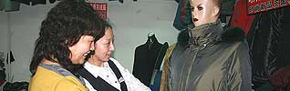 Zhang Guiyun, 53, was once a common housewife in rural Yanglin County on the outskirts of Harbin, Heilongjiang Province. In 2000, she moved into the city to chase after her dream of starting her own garment shop.
