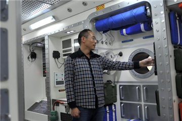 Fan builds real-size replica space lab