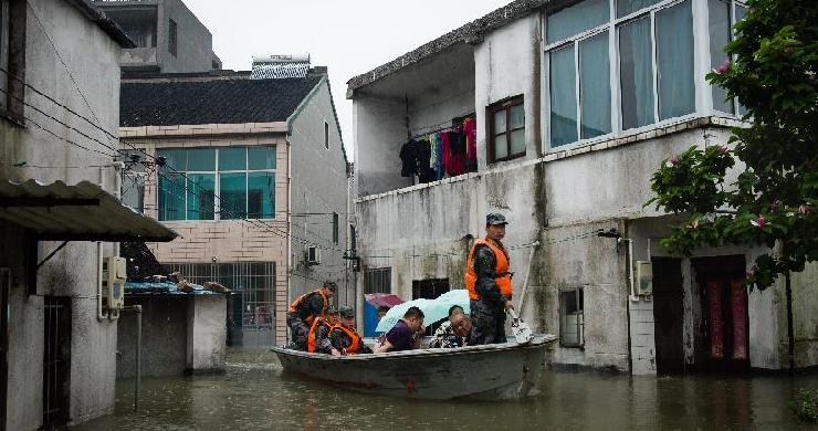Heavy rainstorms affect people in Jiangsu