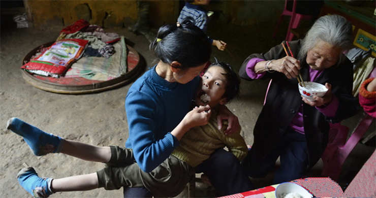 China faces task to reduce poverty in affluent east