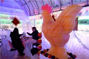 Enjoy meal in ice restaurant in NE China