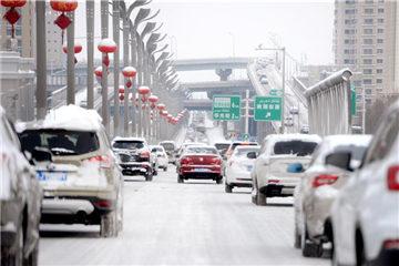 Urumqi witnesses heavy snowfall