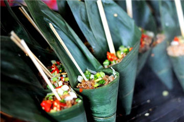 Exploring Chengdu through food tour