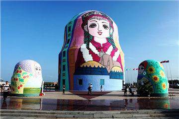 Discover matryoshka dolls in Manzhouli