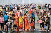 Splashing, Dancing and Making Merry at the Dai Water-Sprinkling Festival