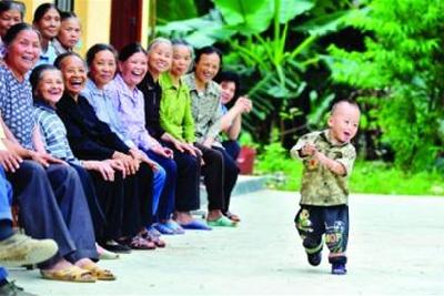 2050年中国三个人中就有一个老人