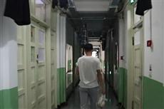 【镜头中的脱贫故事】大一学生创业卖零食 舍友送货上门