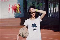 【镜头中的脱贫故事】为飞出大山 留守女童苦练篮球
