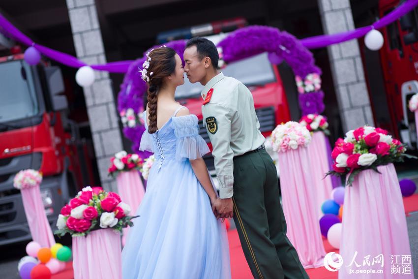 今天我要嫁给你!贵州女教师千里赶赴江西与消